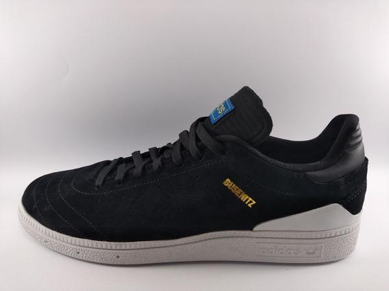 Tênis adidas Busenitz Rx Novo.
