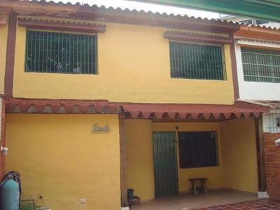 Rab Se Vende Town House En La Granja Naguanagua