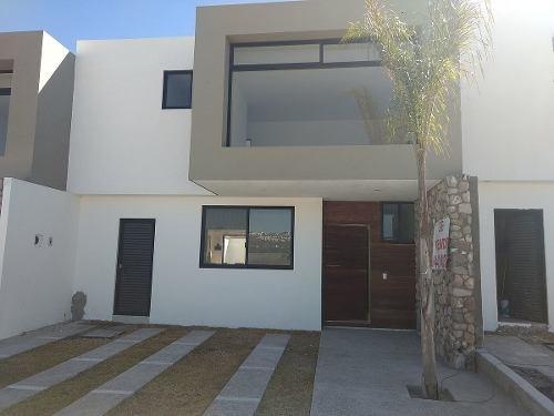 Venta De Casa En Cañadas Del Arroyo $2,450,000