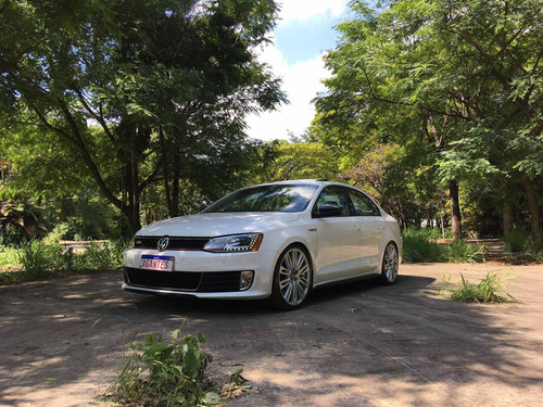 Volkswagen Jetta 2012 2.0 Comfortline Flex 4p Automática
