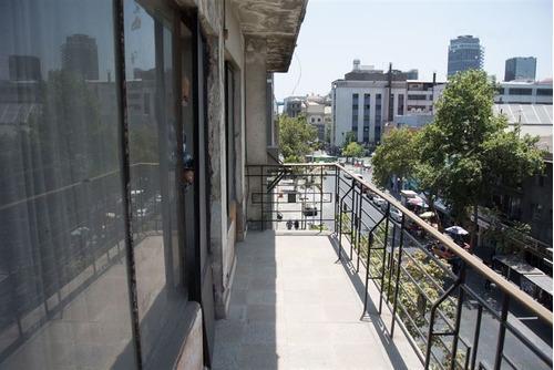 Departamento En Venta De 4 Dorm. En Santiago