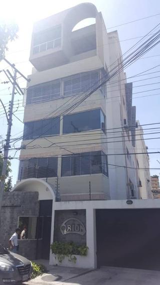 Lujoso Apartamento, Res. Orion, La Soledad 04243745301