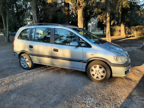 Imagen 1 de 12 de Chevrolet Zafira