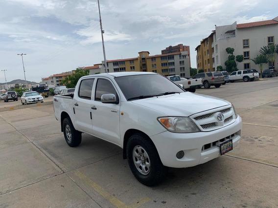 Toyota Hilux 2.7 L