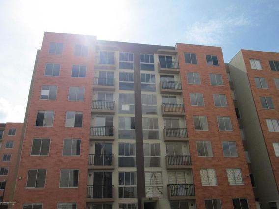 Apartamento En La Prosperidad Rah Co: 20-742