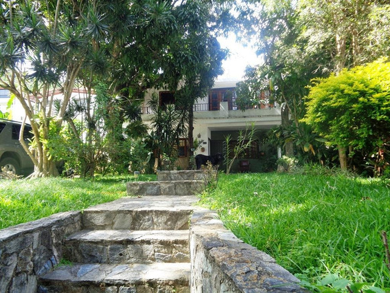 Casa En Venta Prados Del Este Caracas