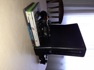 Vendo Xbox 360 Chipiada,con 25 Juegos ,2 Jostick