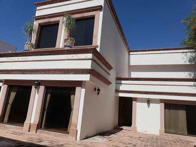 Venta De Hermosa Casa En Álamos De 2 Plantas Biblioteca Fuente Y Jardín Amplio