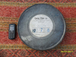 Antigua Lata Películas Con Película De 35mm Y Mañana Seran