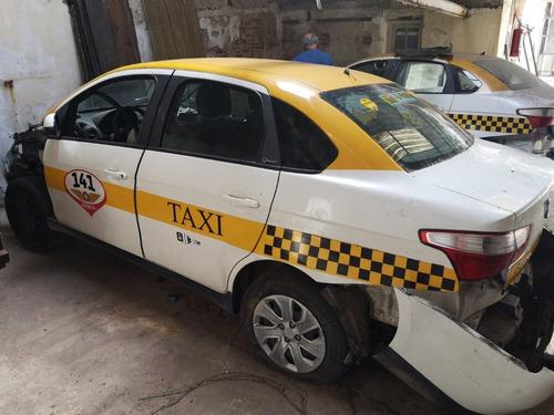 Grand Siena 2018. Ex Taxi, Siniestrado