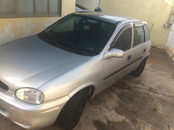 Gm- Chevrolet Corsa Hatch Wind 4 Portas 2001 1.6