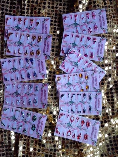 Imagem 1 de 6 de Jóias Para Unhas Kit Com 10 Cartelas Total  66 Pares