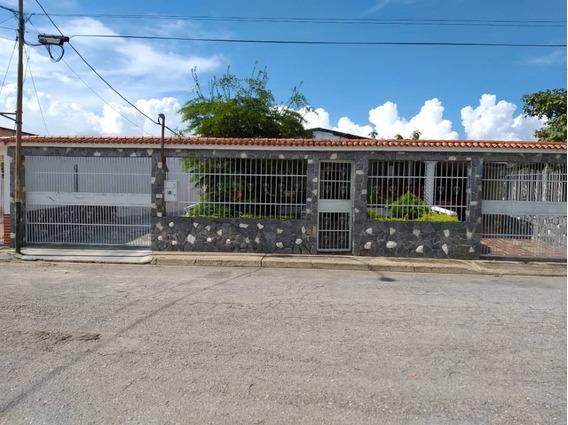 Casa, En Venta Cod 411238 Liseth Varela 0414 4183728