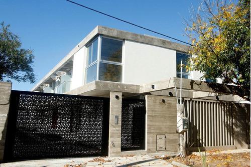 Casa Tipo Duplex 2 Dormitorios A Estrenar