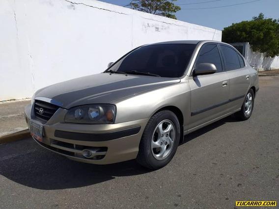 Hyundai Elantra Automatico 2.0