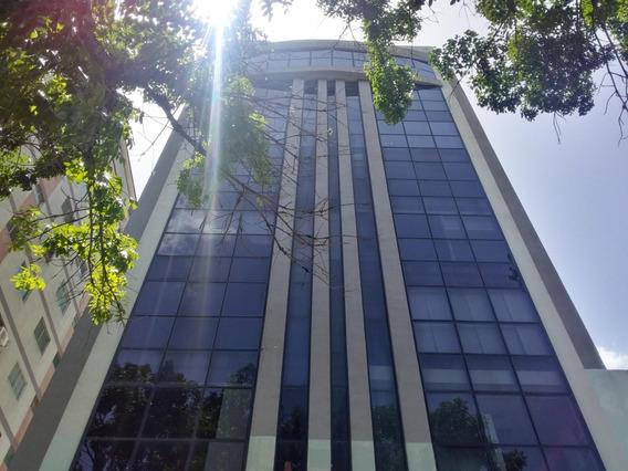 Oficina En Venta Av. Bolivar Valencia Cod.20-21918 Kfp