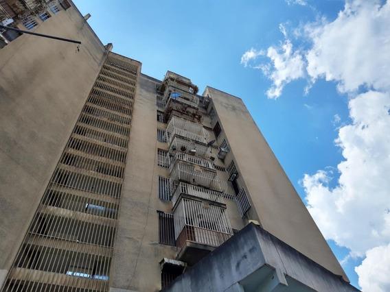 Apartamento En Venta Av 19 De Abril Maracay Mj 20-2850