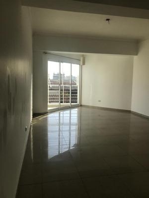 Se Alquila, Apartamento Moderno 3hab,parq Y Gym En Evaristo!