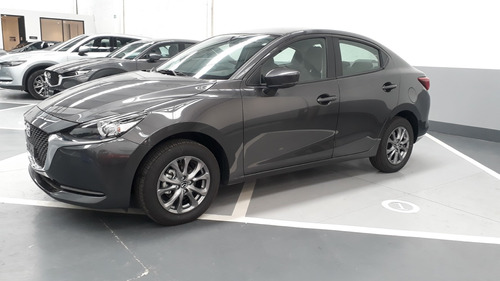 Mazda 2 Sedan Touring Automatico 1.5 2022 Machine Gray