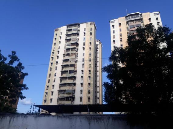 Apartamento En Venta Urb. El Centro 20-23568 Jcm