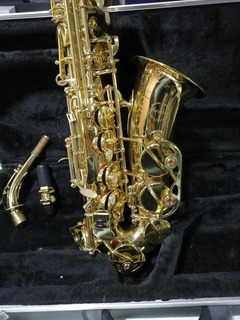 Saxofon Alto Amadeus Casi Nuevo
