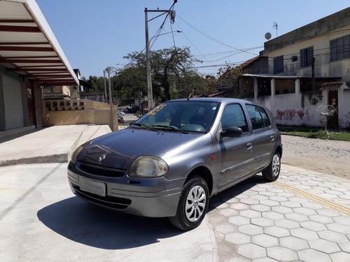 Imagem 1 de 12 de Renault Clio 2001 - Rn 1.0 Hatch - Ar Cond. - Vid Elet. 4 Pt