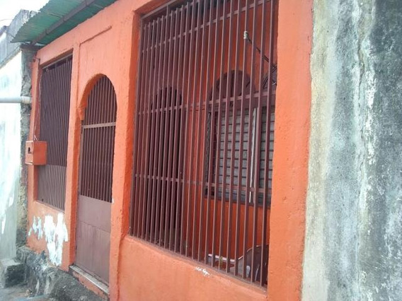 Casas En Venta En Centro Barquisimeto Lara 20-2323