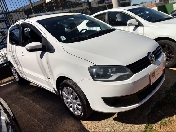 Volkswagen Fox 1.0 Trend Tec Total Flex 5p 2013
