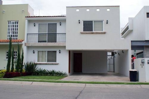 Casa En Renta Av. Casa Fuerte , Fracc Casa Fuerte