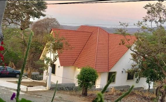 Beautiful House In Guayaquil, Lago De Capeira
