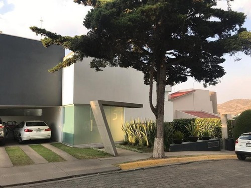 Venta De Casa Moderna En Loma De Vallescondido Zona Esmeralda