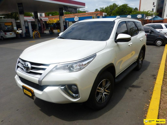 Toyota Fortuner At 2400cc 4x2 7 Psj