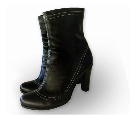 Botas De Cuero Uma Nro 37 Color Negro