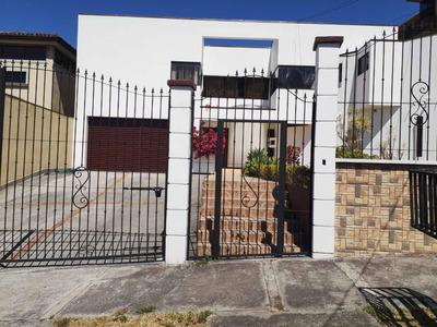 Casa Grande En Trejo De Montealegre Escazú