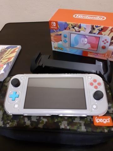 Nintendo Switch Lite Edição Pokémon Sword E Shield Seminovo