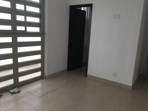 Renta De Local Comercial Para Oficina O Consultorios En Zapopan, Colonia Santa Margarita