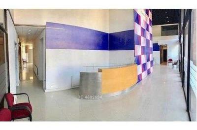 Local Comercial En Arriendo / Metro Escuela Militar