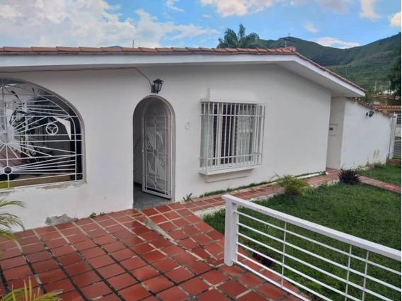 (358 M2) Amplia Y Cómoda Casa De Esquina En El Morro Ii. Wc
