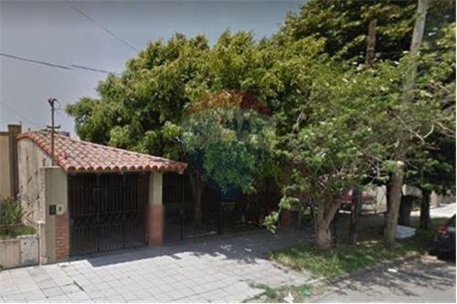 Venta De Terreno Con Casa A Reciclar En Quilmes