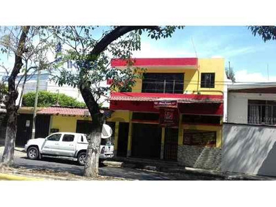 Venta Casa En Tapachula Chiapas 3 Recamaras 2 Pisos Col. Laureles, Casa En Venta Ubicada En Av. Las Palmas En El Municipio De Tapachula Del Estado De Chiapas. Cuenta Con 2 Pisos, Sala Comedor, Cocina