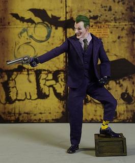 The Joker Mezco One:12 Dc