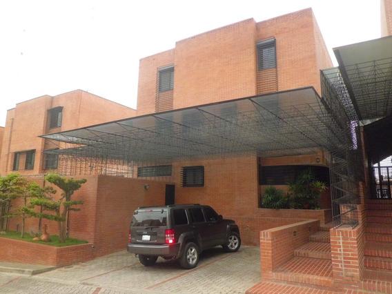 (h) Town House En Col. De Tamanaco. 450 M2. Precio: 390.000