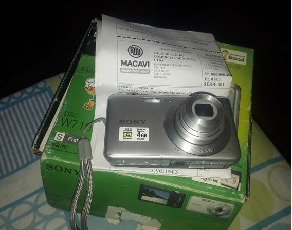 Câmera Digital + Cartão De Memória