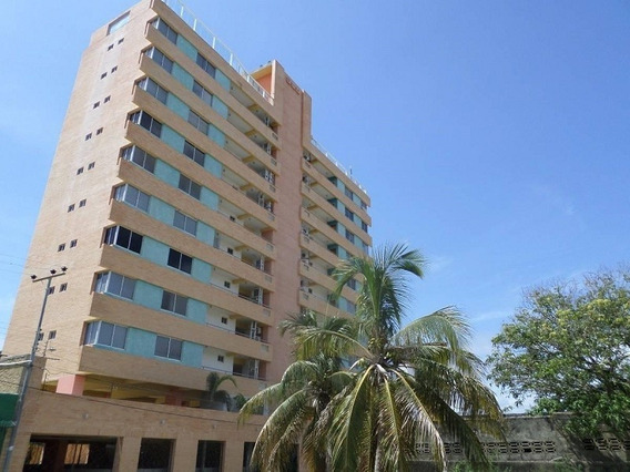 Apartamento En Res. Varadero Suites, Tucacas. Sda-341