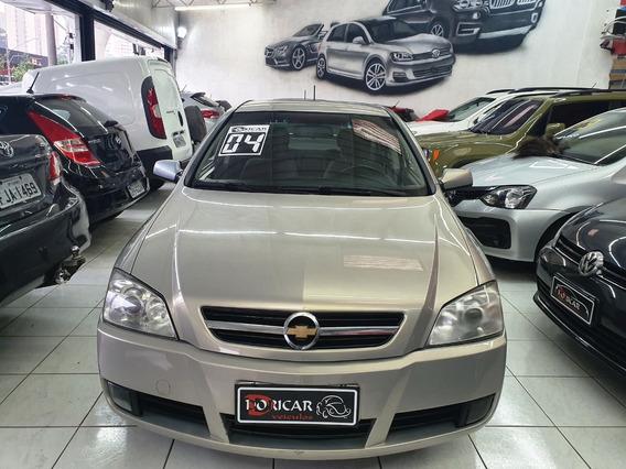 Chevrolet Astra - 2004/2004 2.0 Mpfi Cd 8v Gasolina 4p Manu