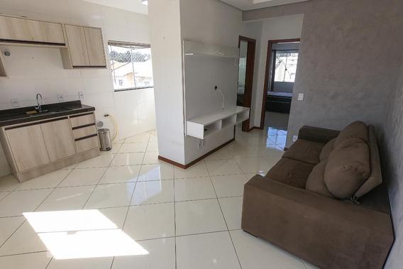Apartamento No 5º Andar Com 2 Dormitórios E 1 Garagem - Id: 892949849 - 249849