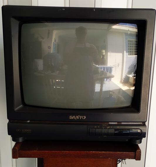 Tv 14 Polegadas Sanyo Preta Liga 110/220w Antiga Veja Fotos