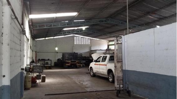 Galpón En Venta Urb. La Cooperativa- Maracay 20-20713hcc