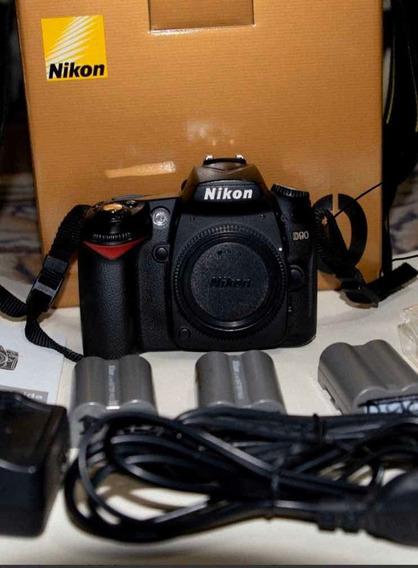 Camara D90