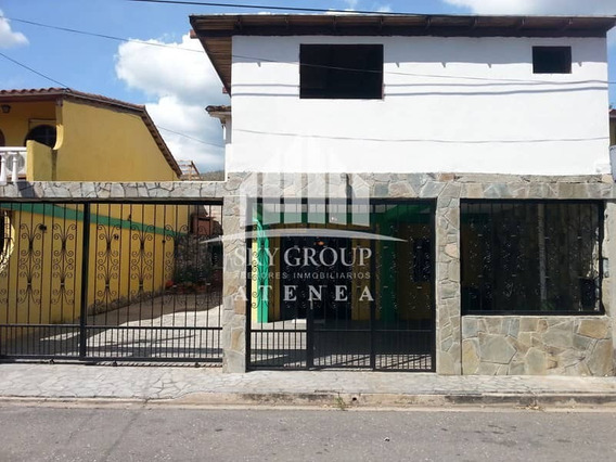 Sky Group Atenea Vende Town House En La Urb. Paramacay